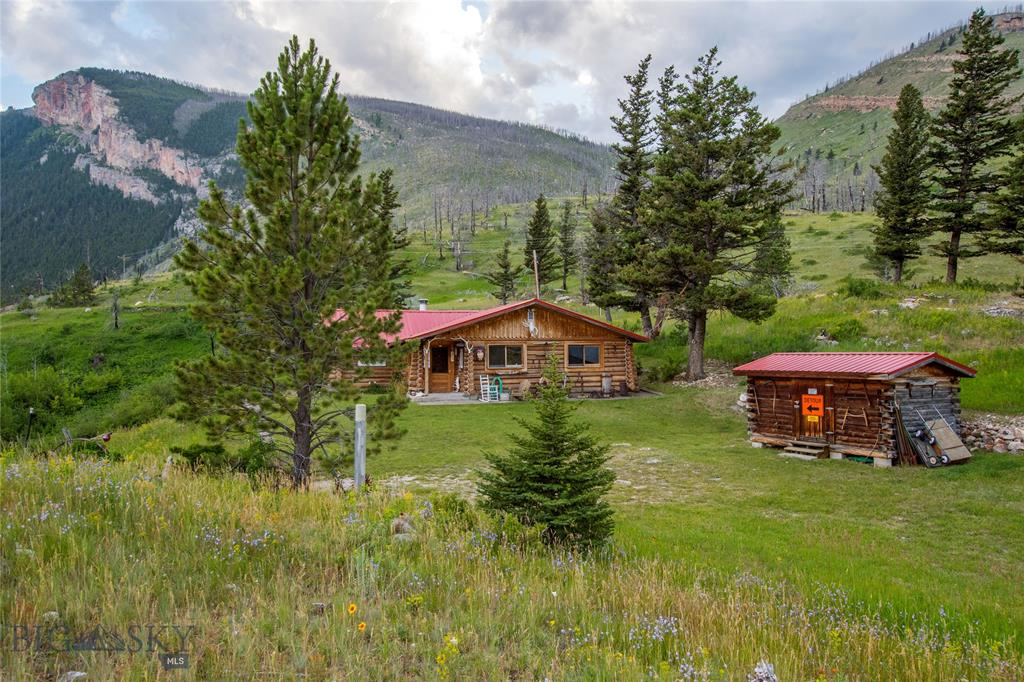 The Lion Head Hunting And Fishing Cabin - SOLD