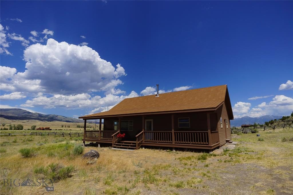 518 E River Road, Emigrant, Montana 59027