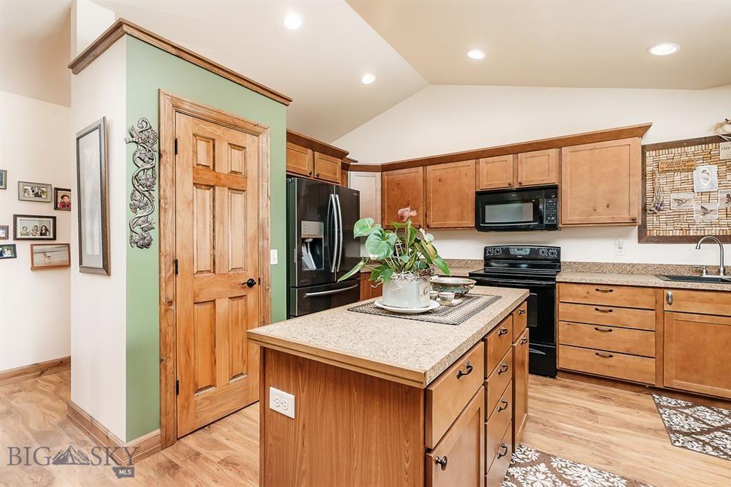 18 Sunbird Lane, Park City, Montana 59063
