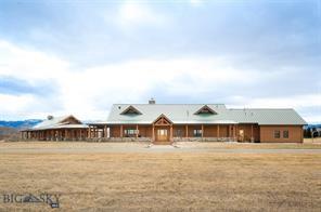 1021 Gateway South, Gallatin Gateway, Montana 59730